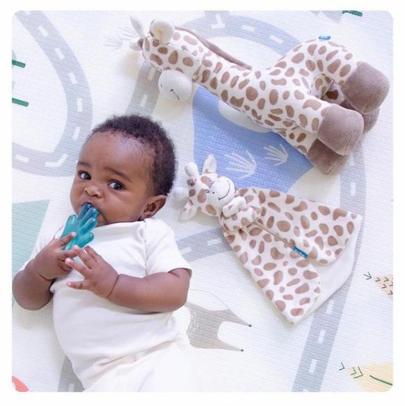 foto de Naninha e girafinha!