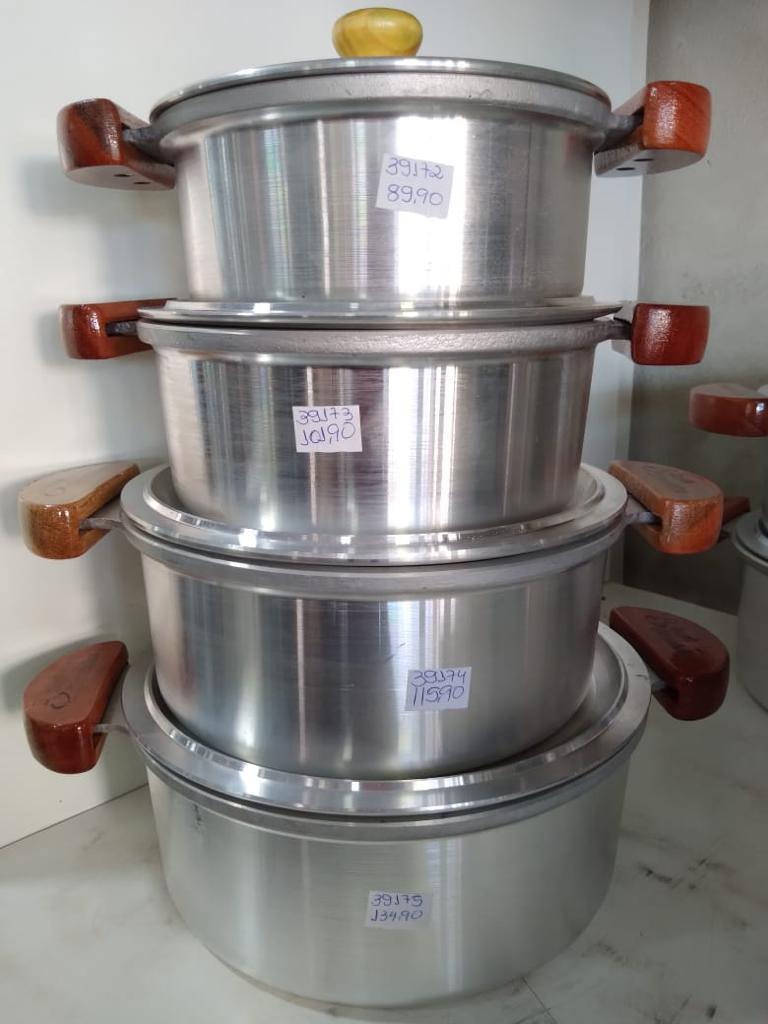 foto de Panelas de alumínio batido